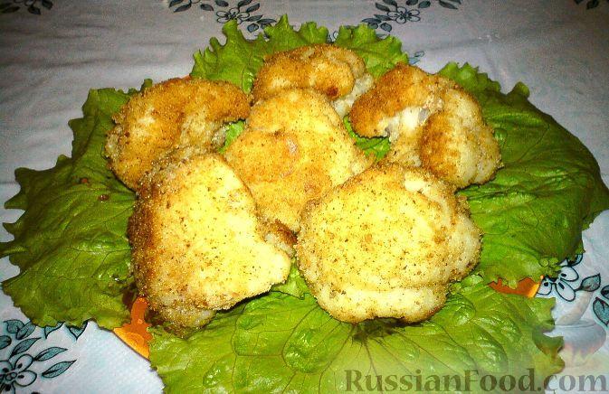 Фото приготовления рецепта: Цветная капуста, жаренная в панировочных сухарях - шаг №6