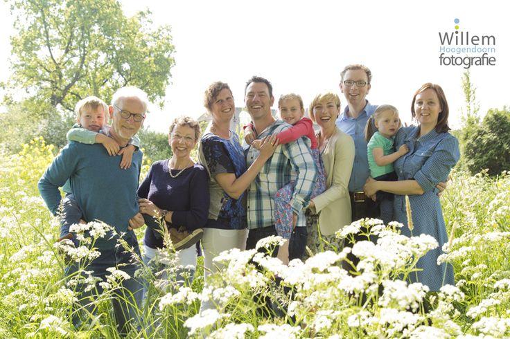familiefotografie op buiten lokatie door Willem Hoogendoorn Fotografie, Woerden #familiefotografie