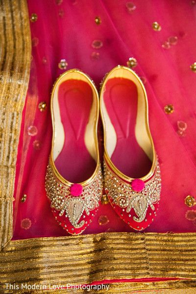 Shoes http://www.maharaniweddings.com/gallery/photo/37092