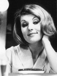 som Skuespillerinden Eva Bertelsen, i Mord for åbent tæppe fra 1964.