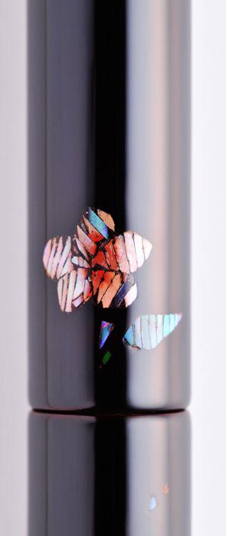 NAKAYA - 螺鈿 -  木槿(むくげ)(価格: 151,200円)