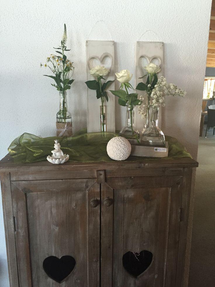 Einladung Zur Hochzeit  Holzbrett Mit Herz Und Reagenzglas