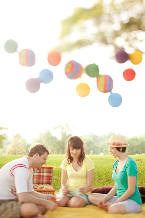 Design*Sponge photo shoot: how I would preferably like my breakfast. Picnic blankets and colourful paper laterns.
