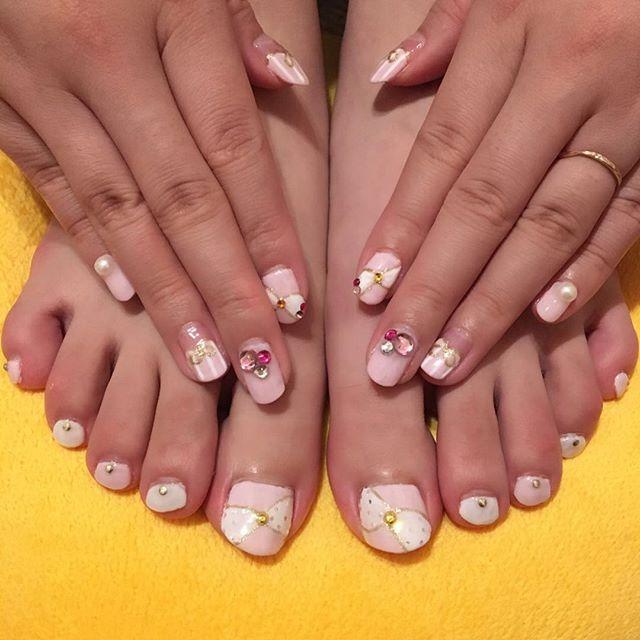 久々にがっつりしてみました。 #nail #セルフネイル #ハンドネイル #フットネイル #ピンクネイル #リボン #ピンク