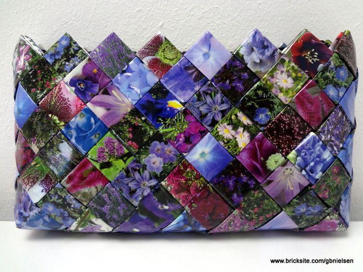 Pung med lilla blomster motiver fra Magasinet Isabellas