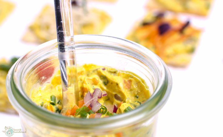 sonnengelber Frischkäsebrotaufstrich mit Curry