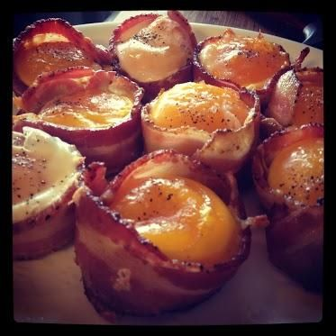 SO easy to make and so good ! -Breakfast Cupcakes .. toast bacon and eggs in one...with turkey bacon and whole wheat bread!