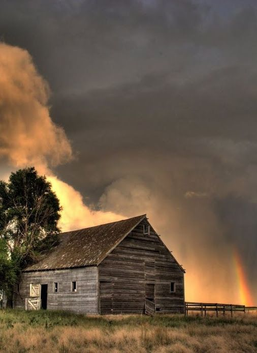 Storm With Rainbow By The Barn @TheDailyBasics♥♥♥