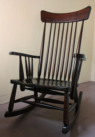 手作り(ハンドメイド)の家具 松本民芸家具 J型ロッキングチェア 薪ストーブ前などくつろぎの時間に最適です。 国産の無垢材を使用した職人手作りの家具。本物をお探しの方に。
