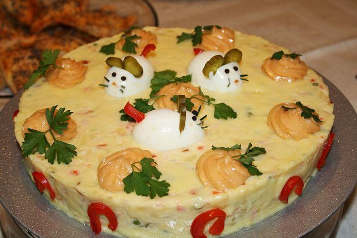 Lassan érkeznek a húsvéti ünnepek, így hoztunk nektek egy igencsak finom és egészséges salátát. Mi nagyon imádjuk, éppen ezért néha csak úgy, semmi különösebb alkalom nélkül is szoktunk böfföt készíteni. A tavaszi ünnepek egyik elmaradhatatlan tartozéka a francia böf saláta. Nagyon egyszerű elkészíteni, laktató, és ráadásul mindenki imádja. Hozzávalók: 500 gramm párolt marhahús, 300 gramm …