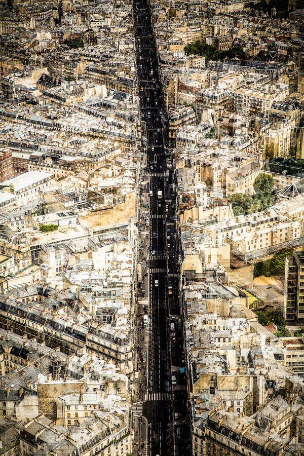 redhousecanada:  Paris, like I never seen it before.