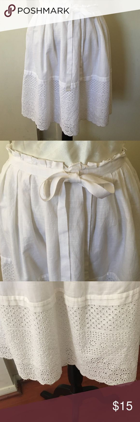 GAP SKIRT Cute skirt pre❤️ well care for color , off white color Gap  Skirts Midi