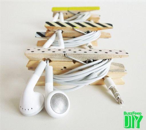pinzas-ropa-cables 10 soluciones curiosas DIY para organizar cables