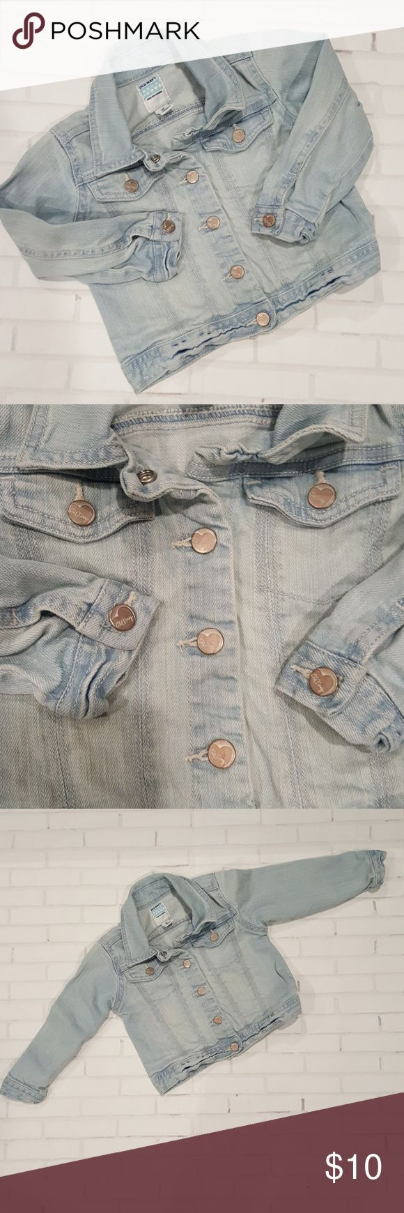 Girls Old Navy Jean Jacket - Size 2T Light wash old navy jean jacket. Button front closure. Old Navy Jackets & Coats Jean Jackets