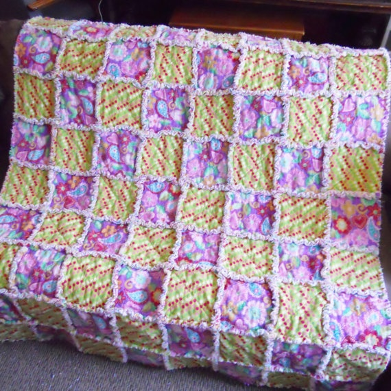 Rag Quilt Patterns For Twin Bed : 43 best images about Quilts - Rag on Pinterest Christmas stockings, Quilt and Baby rag quilts