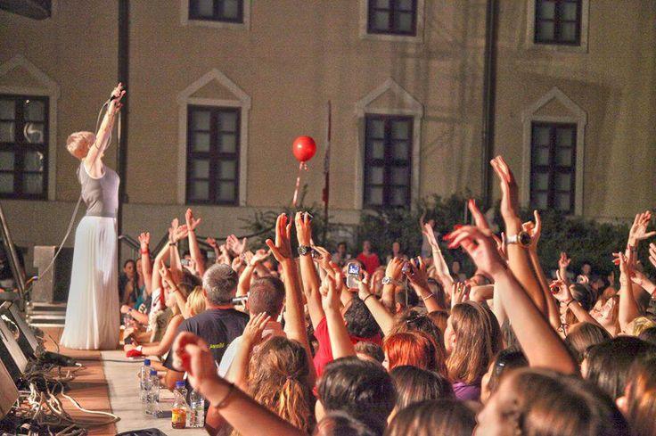 Ευχαριστούμε Δήμητρα Γεωργιάδου!!!!! Ετοιμάστε τα κόκκινα πανιά!!!!!! Έρχεται το Θέατρο Βράχων!!!!! #eleonorazouganeli #eleonorazouganelh #zouganeli #zouganelh #zoyganeli #zoyganelh #elews #elewsofficial #elewsofficialfanclub #fanclub