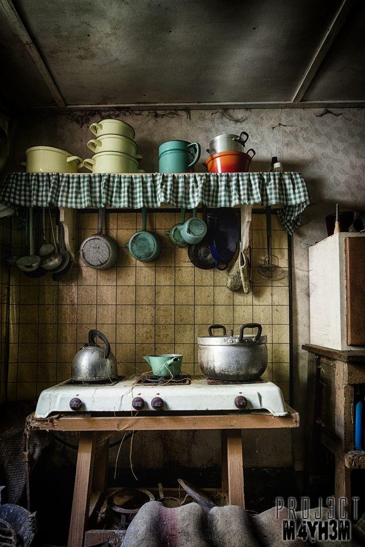 Urbex: The Little Green House, Somewhere, Belgique - Juillet 2014 - le PROJ3CTM4YH3M Urban ExplorationPROJ3CTM4YH3M Exploration Urbaine