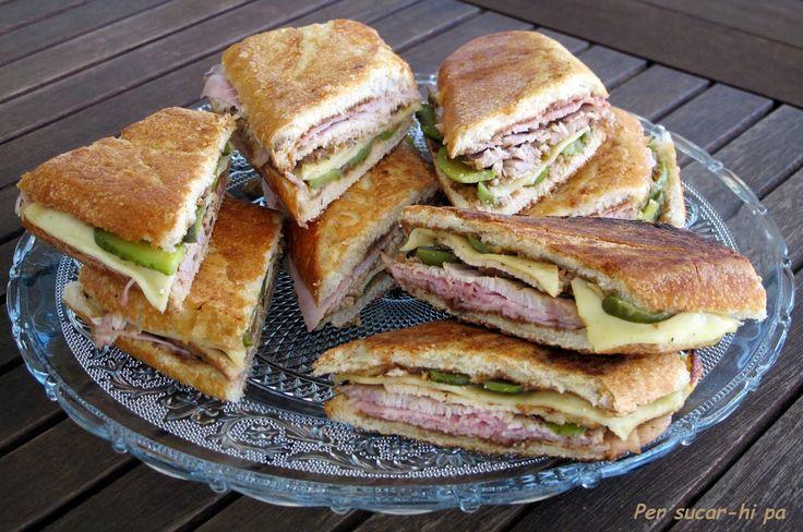 Sandwich cubano, también conocido como empingado, a base de lomo marinado, jamón cocido, pepinillos, queso emmental, mostaza y mantequilla. Muy típico en Miami.