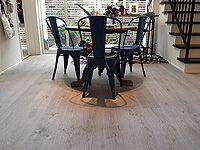 施工事例集 - AD WORLD Timberwise Oak Vintage LEVI, sanded wax oiled floor in Nishinomiya, Japan.  Timberwisen Tammi Vintage LEVI, hiottu öljyvahattu lattia Nishinomiyassa, Japanissa.