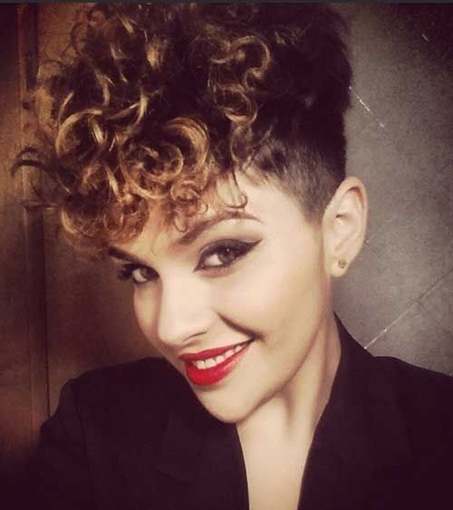 15 Easy Hairstyles For Short Curly Hair | http://www.short-haircut.com/15-easy-hairstyles-for-short-curly-hair.html