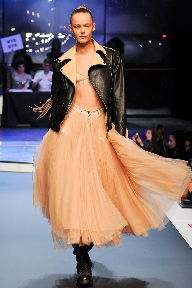 Jean Paul Gaultier Spring 2014 Ready-to-Wear Fashion Show Collection