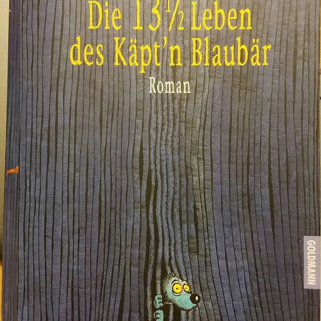 Das ideale Buch für den Frühling, den es vereint Abenteuer und Humor! Link im Profil - buchvogel.blogspot.com #rezension  #literatur #books #abenteuer #humor #lustig #lesen #leseratte #bücher #bücherwurm #bookstagram #booksofinstagram #buchblogger #buchvogelblog #blaubaer #moers #fantasy