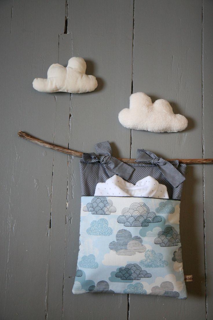 Range-Pyjama/Poche de lit 'Cloudy Sky' onZeDanceFlore - Crib pocket, onZeDanceFlore