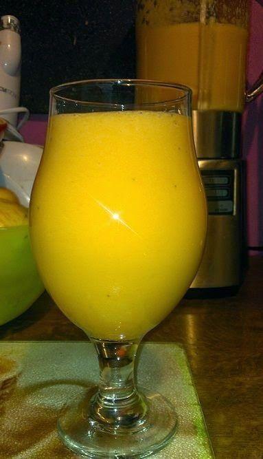 Zielone koktajle: seler naciowy + pomarańcza + banan