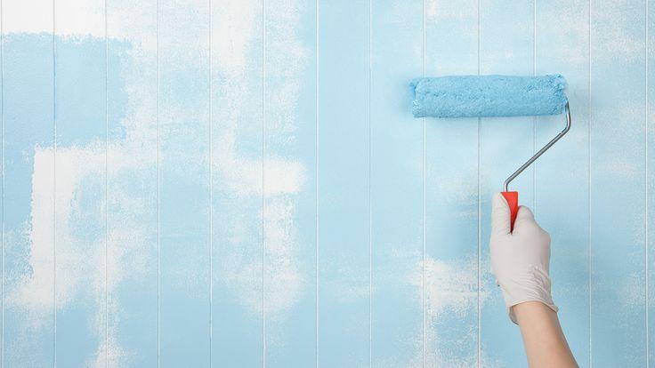 Lekker slapen doe je in een blauwe slaapkamer! Tover je muren blauw en laat je inspireren door deze mooie slaapkamers voor het najaar…