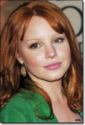 Lauren Ambrose  She was amazing in Six Feet Under