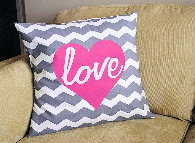 Valentine Throw Pillows & 98 best Heart pillow images on Pinterest | Valentine ideas ... pillowsntoast.com