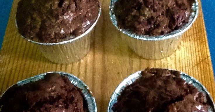 Fabulosa receta para Cupcakes de brownie crujientes y con chocolate fundido dentro. ... La foto no le hace justicia a este postre que he aprendido gracias a la gran cocinera Donna Hay..... Está de muerte!!