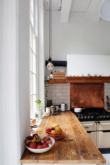 Schau Dir dieses großartige Inserat bei Airbnb an: Historic 17th Century Design House - Häuser zur Miete in Amsterdam