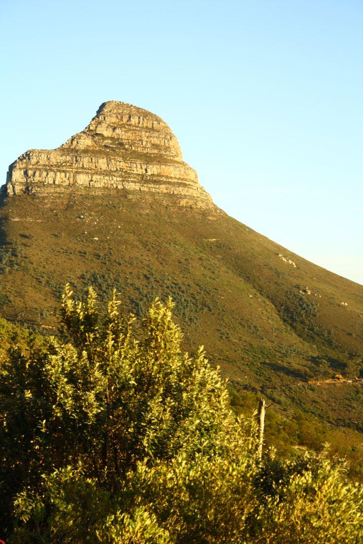 Een absolute must-see tijdens je bezoek aan Kaapstad, Zuid-Afrika: de tafelberg. Bekijk alle bezienswaardigheden in Kaapstad | Mooistestedentrips.nl