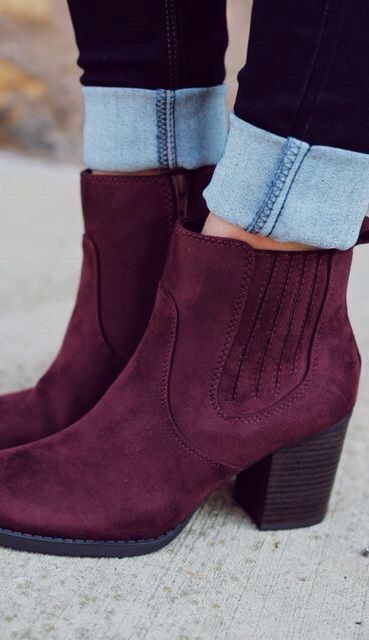 merlot booties & dark skinnies:
