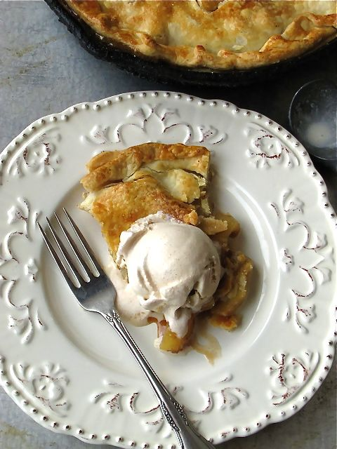 Skillet Apple Pie with Homemade Cinnamon Ice Cream from @Lisa Flahive-Hermsen- Miss in the Kitchen | FoodLove | Pinterest | Desserts, Pie and Apple Pie
