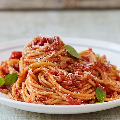 Classic Tomato Spaghetti from Jamie Oliver's Food Revolution Collection. This is a great midweek, vegetarian dinner. It will be a hit with any pasta lover, and is super simple to make on short notice.