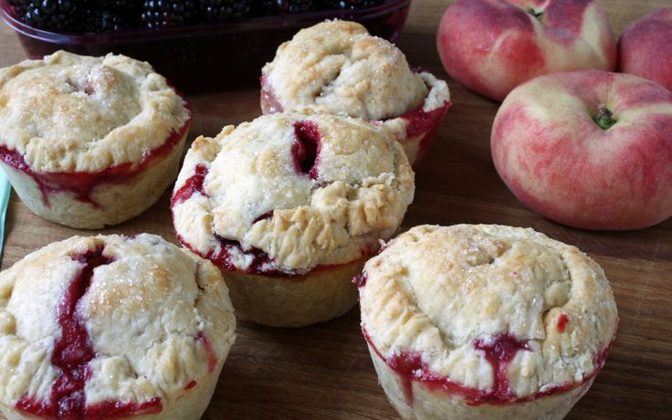 Dessert Ideas: Muffin Tin Blackberry #Pies Did I tell you how much I like pie? I do. I really do. I like nice big slices of pie. I also like little hand pies. It must have been all those Hostess Fruit Pie commercials with Fruit Pie the Magician. #TheCulinaryExchange
