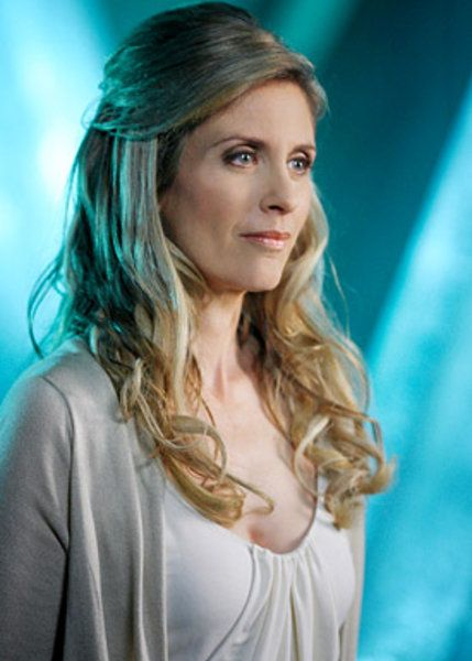 Helen Slater in Smallville photo - Smallville picture #50 of 89