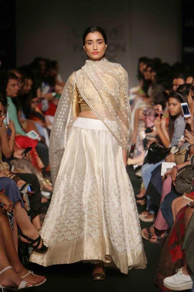 Sanjay Garg Lakme Fashion Week a/w 2014 designer white lehnga