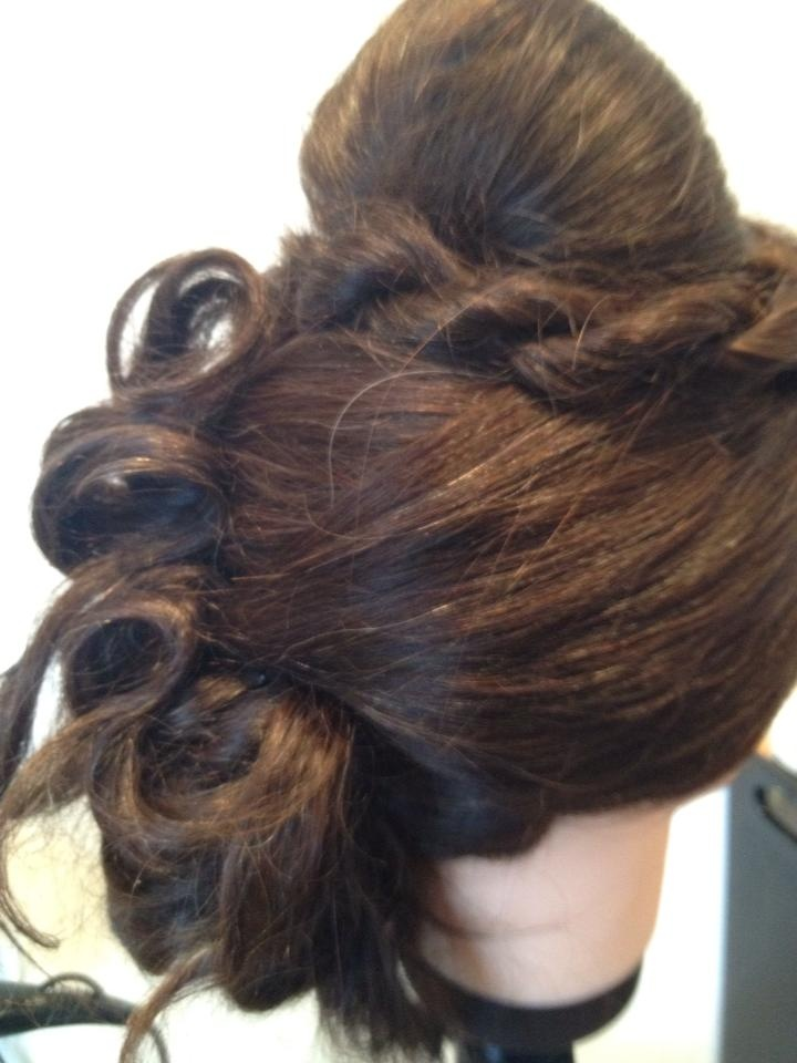 Extravagant wedding hair