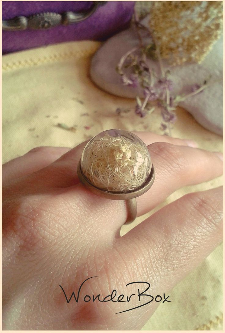 """Ring """"Glass globe with a little accent with Achillea Millefolium"""""""