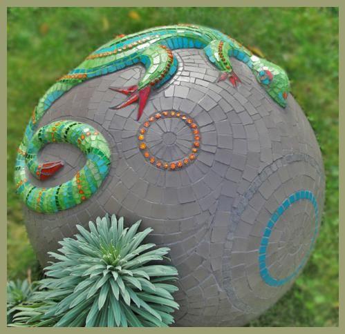 Je Lezarde Mosaic Sculpture by MoZaikToone