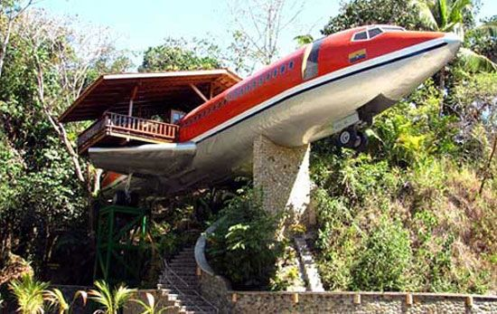 wierd houses | airplane-house from strnage houses and weird homes