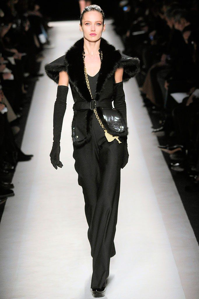 Saint Laurent Fall 2010 Ready to Wear Collection Photos   Vogue