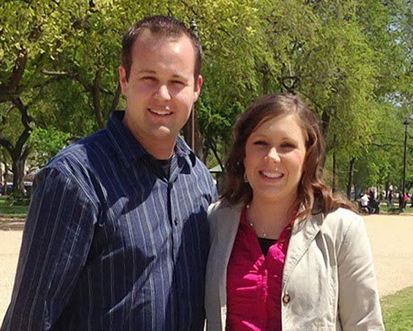 Anna Duggar Divorce: Friends Push Mom To Leave Disgraced Husband Josh - http://www.morningledger.com/anna-duggar-divorce-friends-push/13117711/