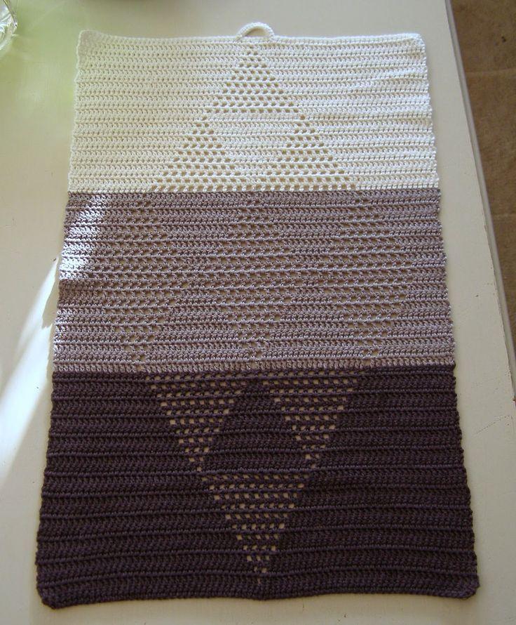 Halager: Hæklet håndklæde i harlekinmønster