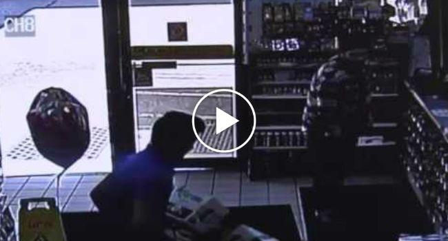 Homem Sofre Queimaduras Após Cigarro Eletrónico Explodir Dentro Do Bolso Das Calças http://www.shocktv.biz/homem-sofre-queimaduras-cigarro-eletronico-explodir-bolso-das-calcas/
