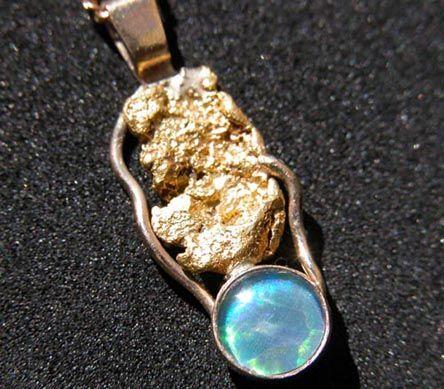 1.1Gram Australian Gold Nugget / Opal Jewelry