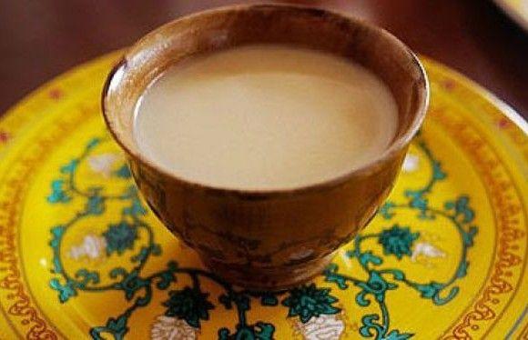 Tibeti gyógytea - Szükség lesz 2 liter vízre, 5 gramm reszelt gyömbérre, 2 kanál frissen facsart citromlére, 2 kanál mézre, egy csipet cayenne borsra, egy csipet ánizsra.